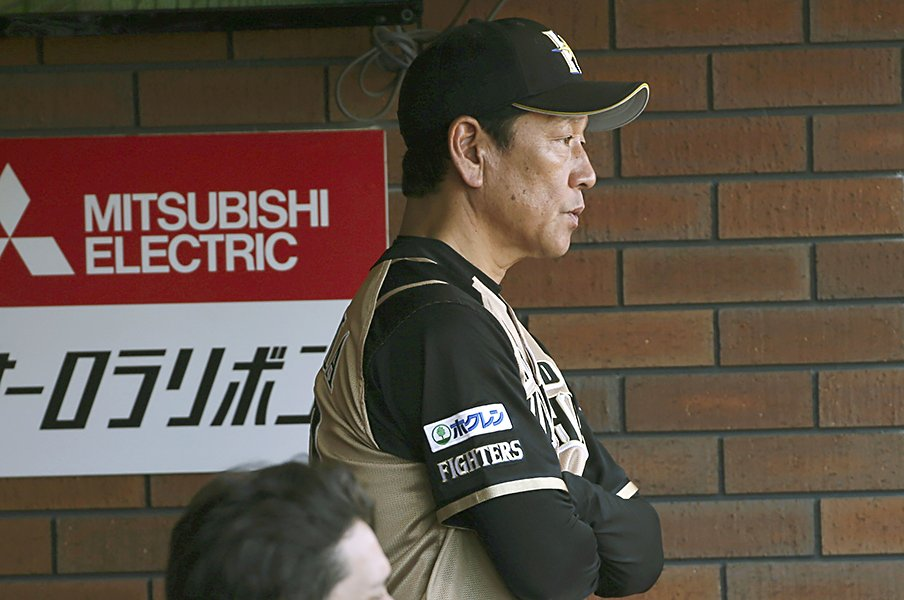 栗山監督が、ポーランド戦の西野采配に共鳴した。覚悟が宿った決断とは。<Number Web> photograph by Kyodo News