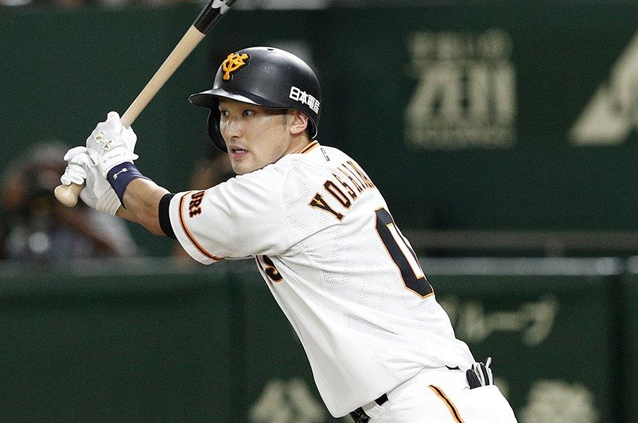 丸佳浩、坂本勇人を活かす1番打者。巨人キャンプの鍵は吉川尚輝に。<Number Web> photograph by Kyodo News