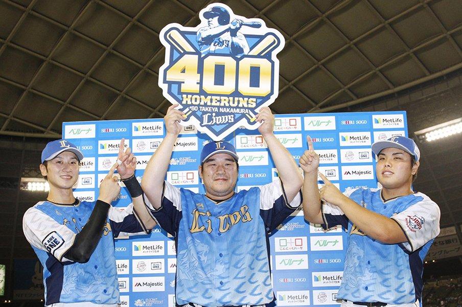 中村剛也は特異な大スラッガー。他の400本塁打達成者よりも凄い!?<Number Web> photograph by Kyodo News