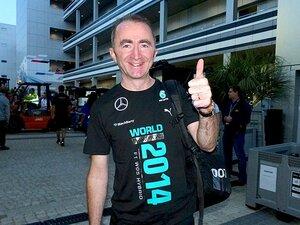 メルセデスの優勝を支えた「技術者」。表彰台に上がったロウ、笑顔の理由。