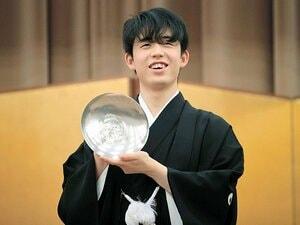 """《世界史と数学が好き》19歳藤井聡太三冠が明かす""""苦手だった科目""""は?「英語は苦手でした」「美術も嫌いでした」"""