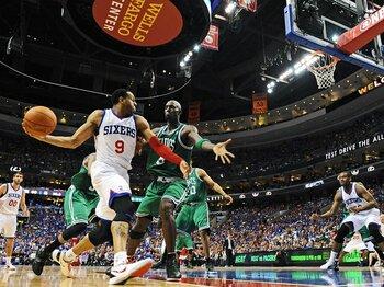 "76ersの快進撃を支えた、もう一人の""AI""。~イグオダラ、守備のエースとして~<Number Web> photograph by Getty Images"