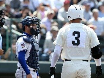 高校野球の敬遠はとかく物議を醸す。「清宮に回す敬遠」の2つの問題。<Number Web> photograph by NIKKAN SPORTS