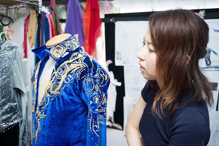 日本フィギュア支える名デザイナー。宇野昌磨の衣装、ある秘密とは。<Number Web> photograph by Takaomi Matsubara