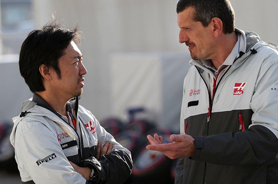 F1界に奇跡を起こす1人の日本人。新興チーム・ハース快進撃の理由。<Number Web> photograph by UNIPHOTO