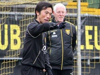 500人中、アジア人は藤田俊哉1人。オランダで日本人が教える意味と壁。<Number Web> photograph by Kyodo News