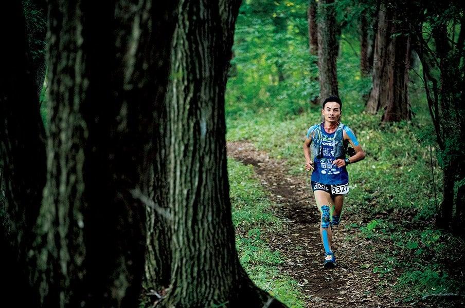 日本山岳耐久レースで長年活躍している奥宮俊祐は今年プロとして独立。その「食べる」道とは?