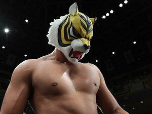 新タイガーマスクWの危険な仮面。「失敗しない男」が遭遇した問題点。