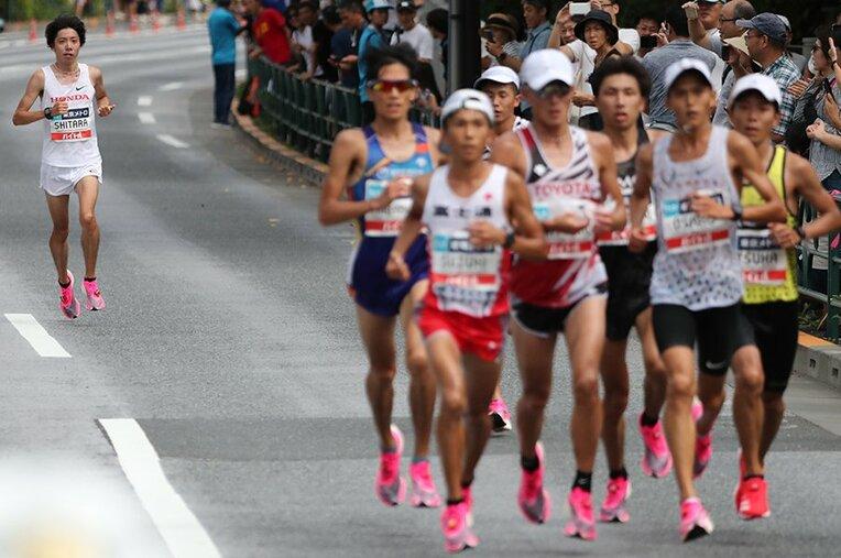 設楽悠太はいつだって最速を目指して走る。今回は凶と出たが、大迫の日本記録を破る最右翼であることは間違いない。 / photograph by JMPA