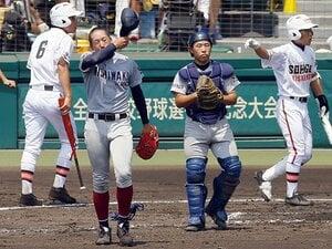 """普通の公立校が強豪私立と闘う方法。西脇工、日川の""""超積極的""""野球。"""