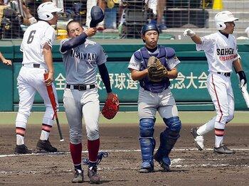 """普通の公立校が強豪私立と闘う方法。西脇工、日川の""""超積極的""""野球。<Number Web> photograph by Kyodo News"""