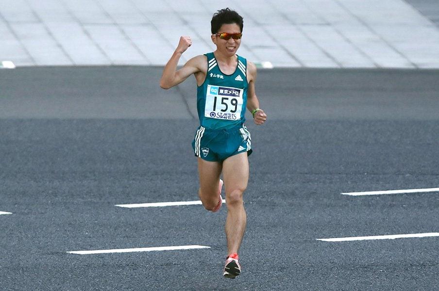 """青山学院が42.195kmを席巻する日。東京マラソン終盤に示した""""遺伝子""""。<Number Web> photograph by AFLO"""