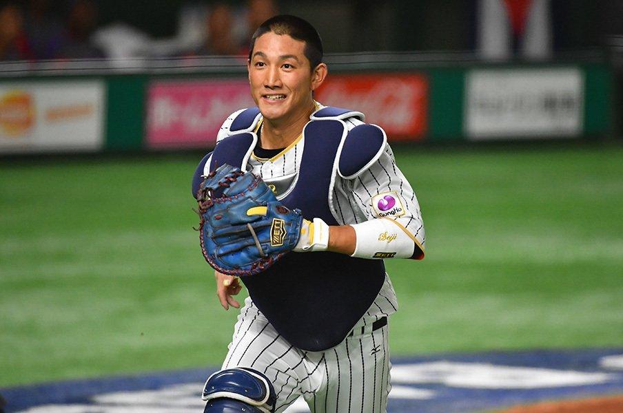 結局、捕手の能力は何が最優先か。捕る、投げる、そしてリードの意味。<Number Web> photograph by Hideki Sugiyama