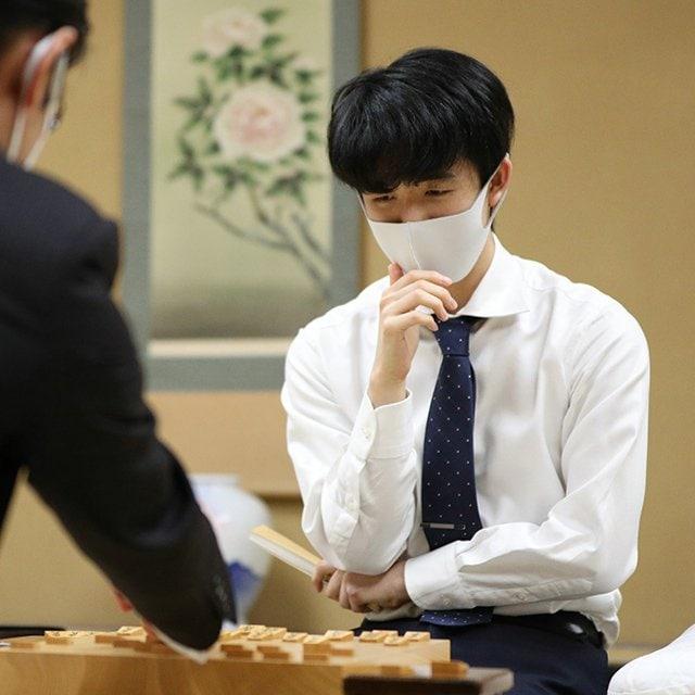 """藤井聡太二冠の""""最年少記録予報""""を調べたら… 「達成しそうな記録」と羽生九段、渡辺名人ら""""中学生棋士""""の偉大さが分かった"""