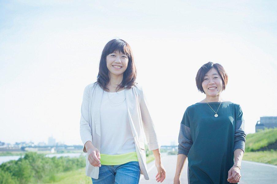 高橋尚子と野口みずきが初対談。スクープ企画の舞台裏と動画公開!<Number Web> photograph by Asami Enomoto
