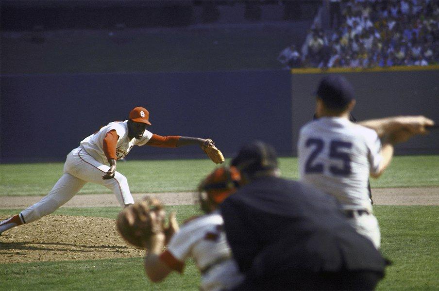 投本間の距離とマウンドの高低。先鋭的な野球ルール改定は必要か。<Number Web> photograph by Getty Images