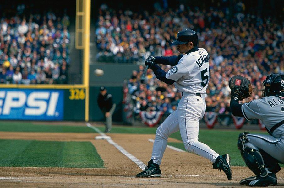 イチローが21世紀に刻む大記録とは。MLBで異次元だった「魔法の杖」。<Number Web> photograph by Naoya Sanuki