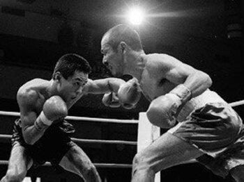 早いレフェリーストップは試合の魅力を損なうか。~ボクシング、逆転KO減少の理由~<Number Web> photograph by BOXING BEAT