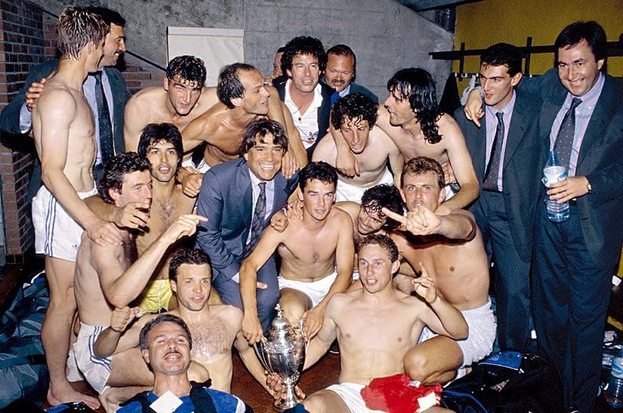 リーグ・アンでもマルセイユは別格!OMの元名物会長タピを巡る壮絶秘話。<Number Web> photograph by Michel Deschamps/L'Equipe