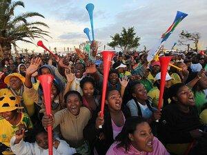 熱狂に燃えて散った開催国南アフリカ。「豊かな国」のサッカーはどうなる?