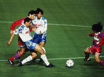 令和に語り継ぐ、J平成名勝負(2)~1996年第15節:横浜Fvs.鹿島~<Number Web> photograph by J.LEAGUE