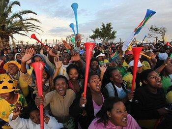 熱狂に燃えて散った開催国南アフリカ。「豊かな国」のサッカーはどうなる?<Number Web> photograph by Getty Images