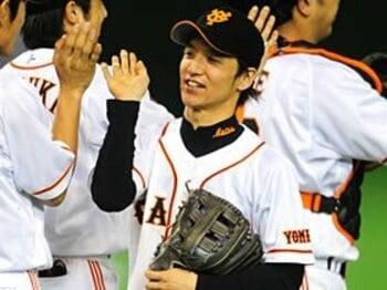 巨人・松本哲也の辞書に「慢心」の二文字は無い。~'09年の新人王は向上心の塊~<Number Web> photograph by Naoya Sanuki