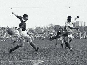 王様ペレに「神様」と呼ばれた、アフリカ出身初のフランス代表ラルビ・ベンバレクの数奇なサッカー人生
