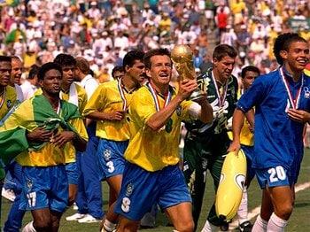 <悲劇から歓喜までの物語> 1994年のセレソンを奮い立たせた「セナの言葉」。<Number Web> photograph by Action Images/AFLO