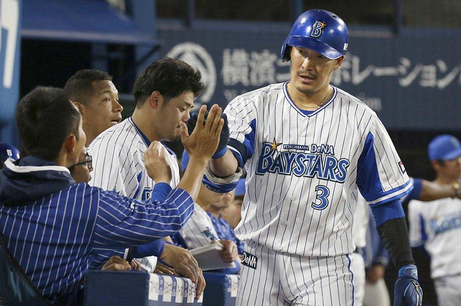 ベイ打線復調の切り札!梶谷隆幸、1番起用の意味。<Number Web> photograph by Kyodo News