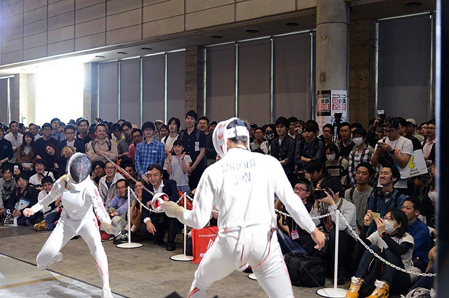 """""""ニコ超""""出展、試合をグローブ座で。フェンシングのチャレンジは続く。<Number Web> photograph by JAPAN FENCING FEDERATION"""