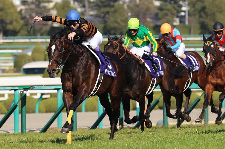 武豊が見つけたキタサン最強の形。大阪杯完勝で、凱旋門もGoサイン。<Number Web> photograph by Yuji Takahashi