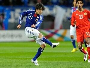 岡田ジャパンの理想形は潰えたのか?攻撃的SB内田篤人、22歳の正念場。