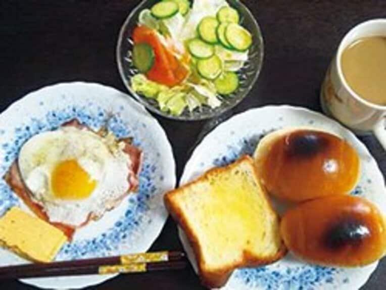 <朝> 朝食523kcal。後藤選手のこの日の食事は1日合計で1143キロカロリー。 / photograph by