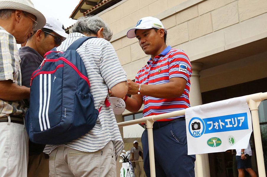 青木功の右腕は元吉本興業の副社長。「まず人を集めてからものを売る」<Number Web> photograph by Yoichi Katsuragawa