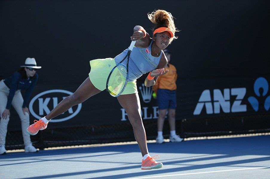 大坂なおみはなぜ世界で愛されるか。個性が薄れる女子テニス界の異端。<Number Web> photograph by Hiromasa Mano