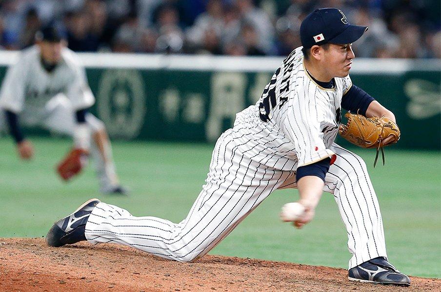 日本のサブマリン投手は美しい。山田久志から牧田和久に流れる伝統。<Number Web> photograph by AFLO