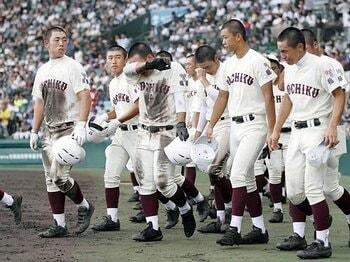 東筑監督「僕は野球を教えるだけ」青野浩彦が人間教育を叫ばない理由。<Number Web> photograph by Kyodo News