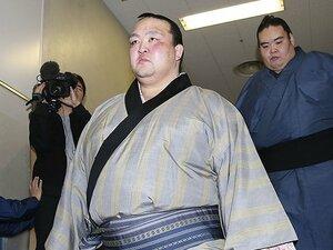 稀勢の里の引退で思い出した、1人で福岡に通っていた懸命な姿。