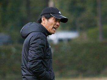 U-17、U-20のW杯に出続けること!森山佳郎U-16代表監督の深い覚悟。<Number Web> photograph by Takahito Ando