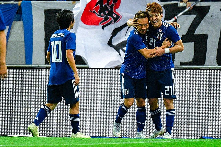 長友佑都、台頭する若手への助言。「とにかくビッグクラブに行けと」<Number Web> photograph by Takuya Sugiyama