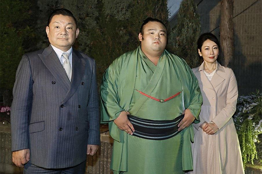 貴景勝が戦うのは白鵬か、10代か。相撲界で中卒入門がトレンドに?<Number Web> photograph by Kyodo News