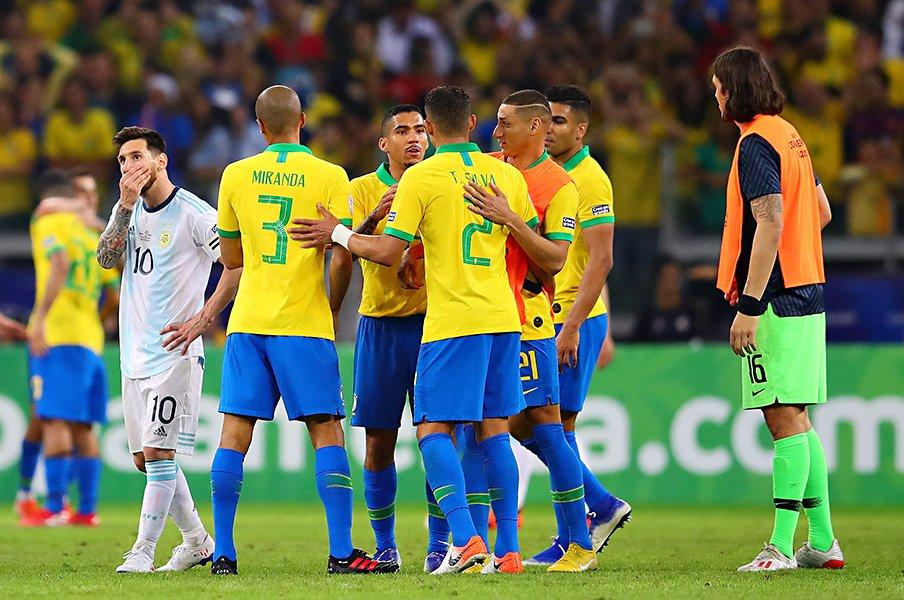 ネイマール不在も「メッシ、チャオ」。コパ大一番を制したブラジルの組織力。<Number Web> photograph by Getty Images