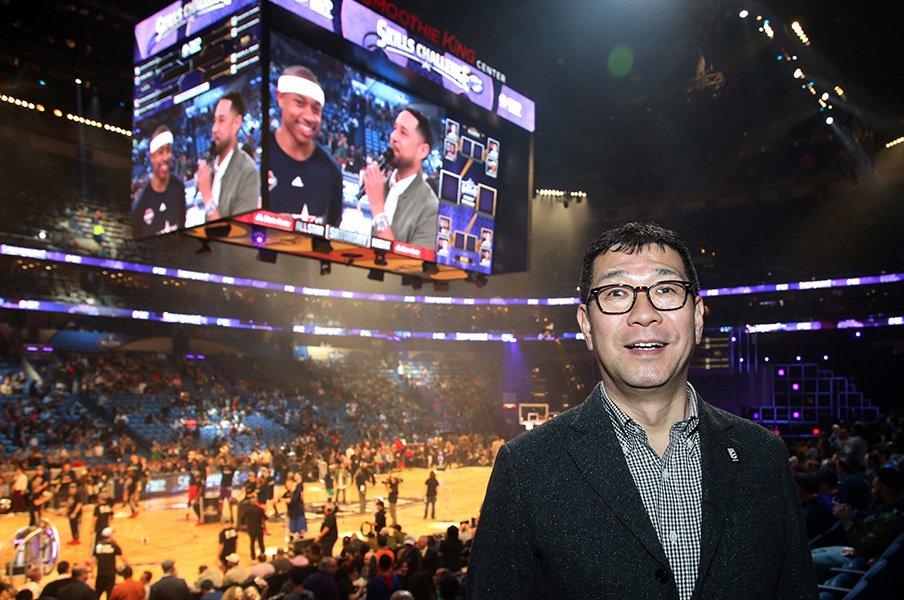 Bリーグ大河正明チェアマンが語る。NBAのアリーナ、ビジネス、地元愛。<Number Web> photograph by Kiyoshi Mio