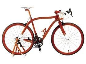 船大工の技術が凝縮した、マホガニー製ロードレーサー。~木の反発力を生かした高性能自転車~
