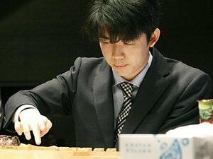 藤井聡太の将棋はどこが美しいのか。「芸術作品」と評す飯島七段に聞く。