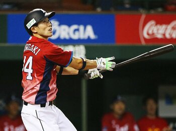 西武・外崎修汰は古き良きパの職人。繋ぐ意識の延長線上に2ケタ本塁打。<Number Web> photograph by Kyodo News