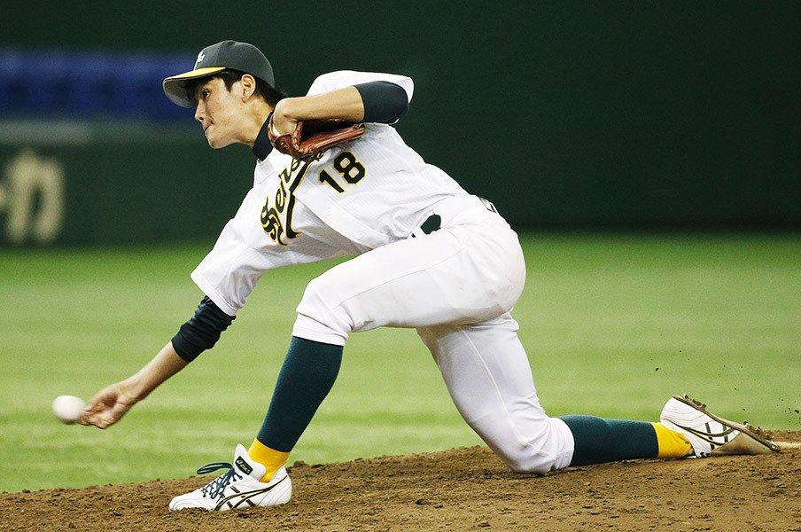大学4年秋に化けたドラフト候補。サブマリン高橋礼は緩急の名人だ!<Number Web> photograph by Kyodo News