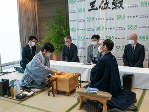藤井聡太棋聖、王位戦第3局へ。羽生善治九段超えの史上最年少「二冠」へ王手なるか。