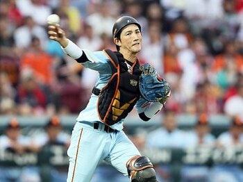 巨人・小林誠司のリードが変わった!頭で描く配球から、投手本位へ。<Number Web> photograph by NIKKAN SPORTS
